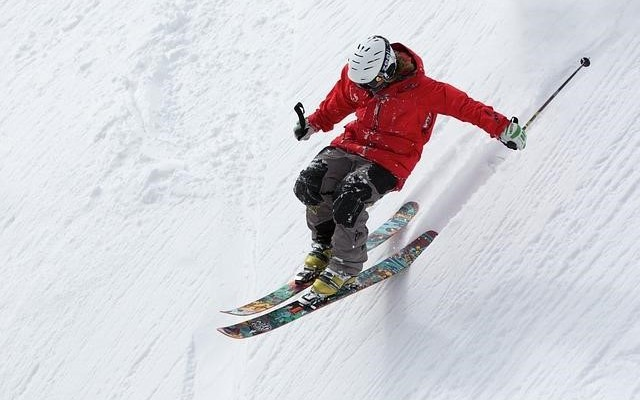Top Tips For Organising A Group Skiing Trip